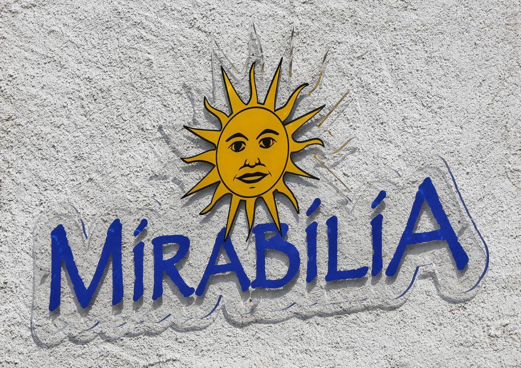 Mirabilia enseigne plexi